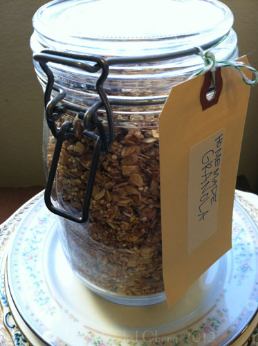 Slightly Sweet Granola with Quinoa